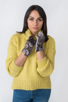 Lilac Paisley Patterned Faux Suede Gloves